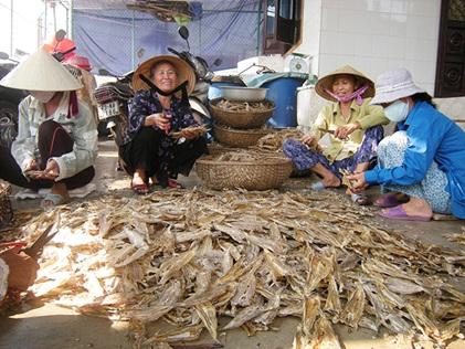 Quang_Binh__Dong_bao_giao_dan_phuong_Quang_Phuc_no_luc_thi_dua_phat_trien_kinh_te