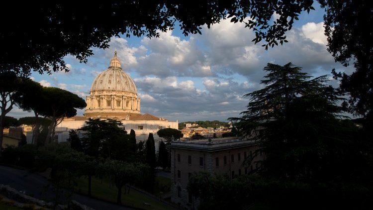 Vatican__tim_phuong_thuc_giai_quyet_thieu_hut_ngan_sach