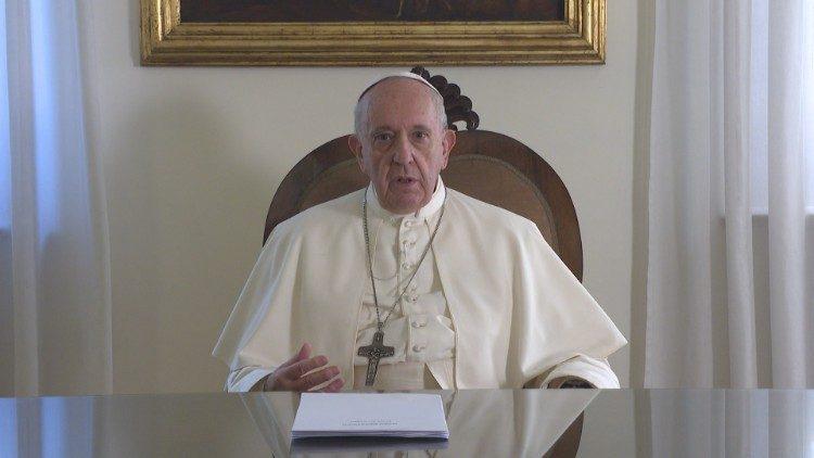 Vatican__Su_diep_bay_to_lo_au_ve_thay_doi_khi_hau