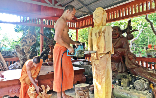 Nghe_thuat_dieu_khac_Khmer_hoi_phuc_manh_me