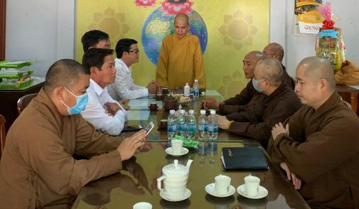 Lanh_dao_So_Noi_vu_tinh_Ninh_Thuan_tham__chuc_mung_mu_a_An_cu_kiet_ha_nam_2020